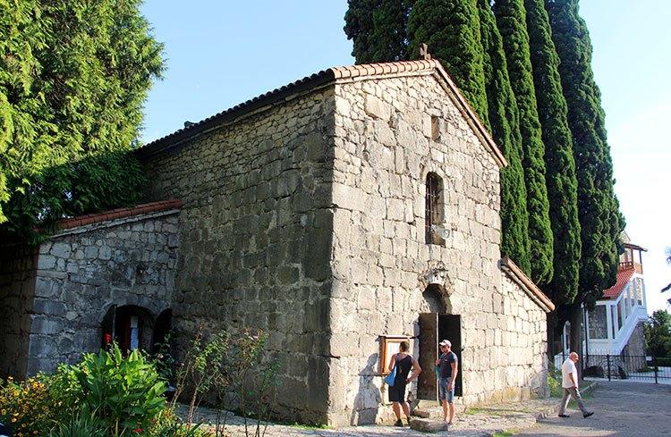 Храм Святого Ипатия Гагрского