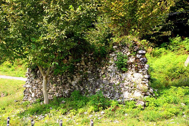 Руины Великой Абхазской стены