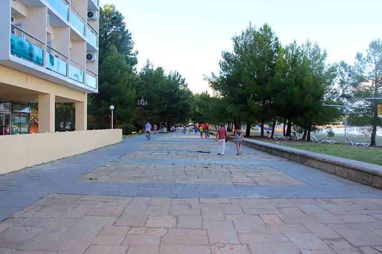 Пицунда (Абхазия): отдых на море, пляжи, отели, фото, что посмотреть