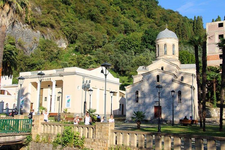 Церковь Симона Кананита