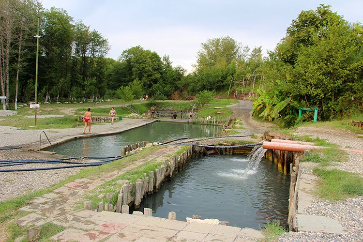Горячий источник Кындыг, Абхазия
